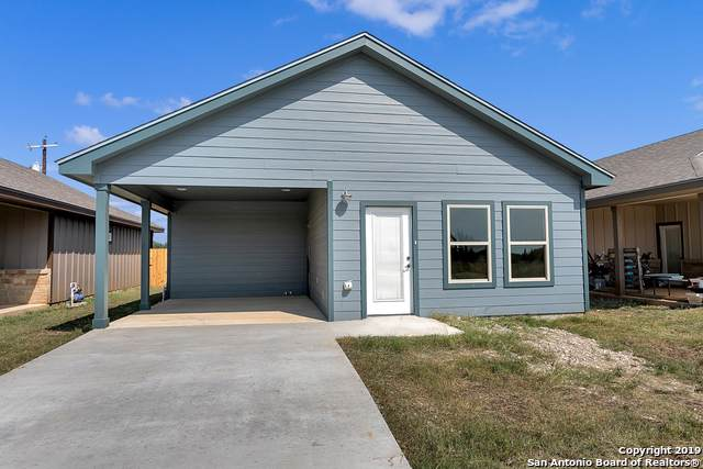 122 Wedge Dr., Bandera, TX 78003 (MLS #1418915) :: Alexis Weigand Real Estate Group