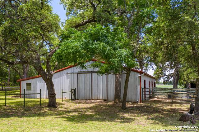 11 Rust Lane, Boerne, TX 78006 (MLS #1418961) :: The Gradiz Group