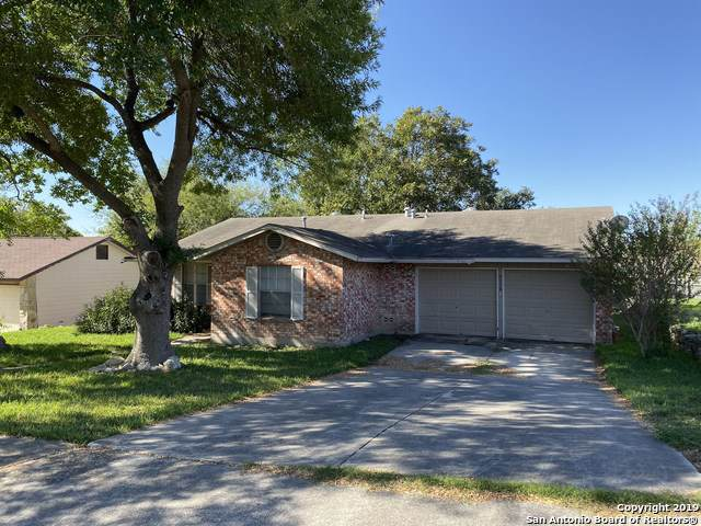 5118 Hitching Trail, San Antonio, TX 78247 (#1418992) :: The Perry Henderson Group at Berkshire Hathaway Texas Realty