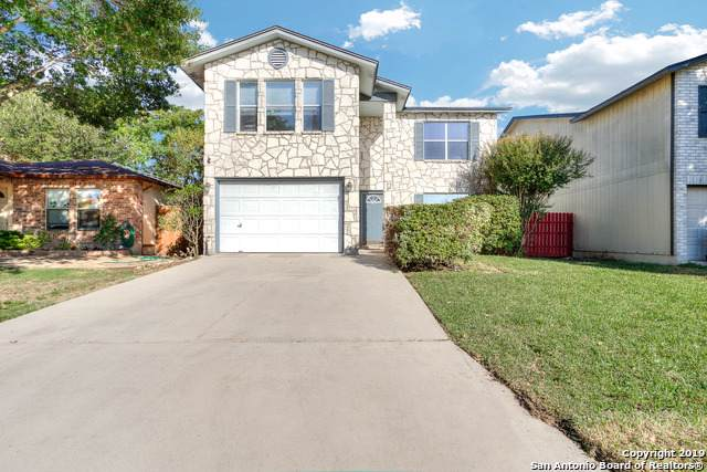 2918 Dixon Plain Dr, San Antonio, TX 78245 (MLS #1419016) :: The Gradiz Group