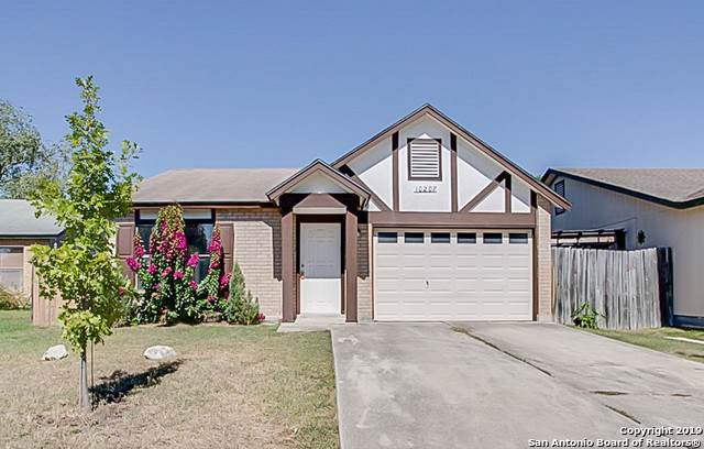 10207 Hawaiian Fld, San Antonio, TX 78245 (MLS #1419336) :: Glover Homes & Land Group