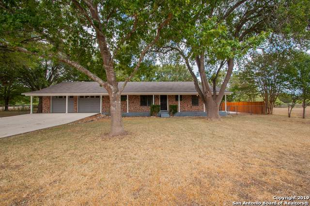 1021 Cherry St, New Braunfels, TX 78132 (MLS #1419433) :: Alexis Weigand Real Estate Group