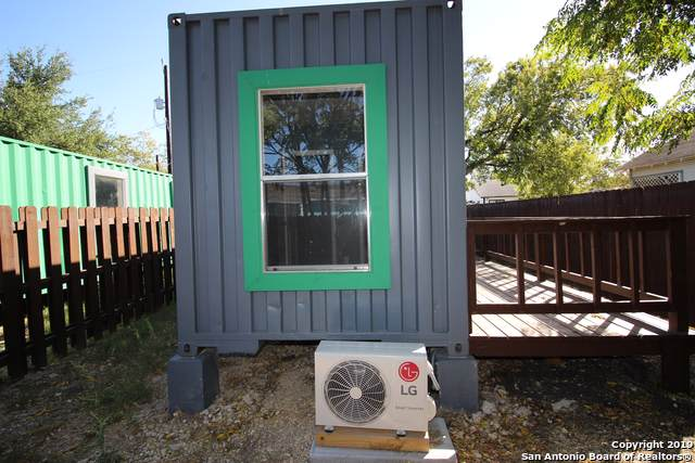 2415 W Poplar St, San Antonio, TX 78207 (MLS #1419530) :: Alexis Weigand Real Estate Group