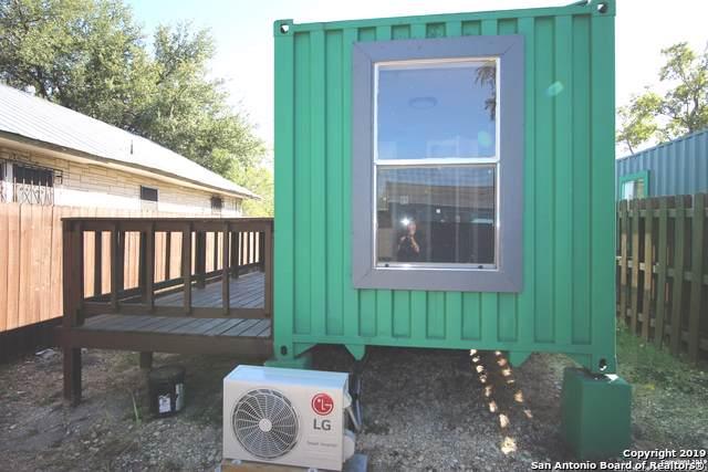 2413 W Poplar St, San Antonio, TX 78207 (MLS #1419572) :: Alexis Weigand Real Estate Group