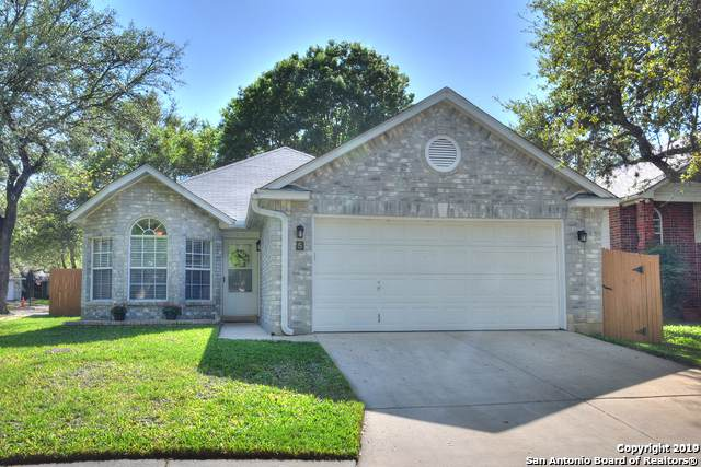 5 Pembroke Ln, San Antonio, TX 78240 (MLS #1419689) :: Tom White Group