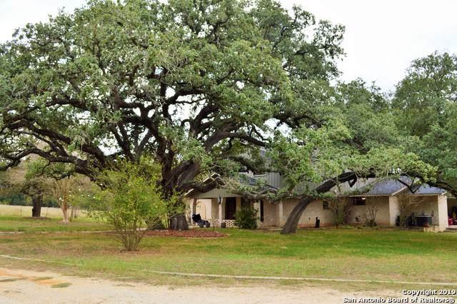1902 Bentwood Dr, Floresville, TX 78114 (MLS #1419699) :: Niemeyer & Associates, REALTORS®