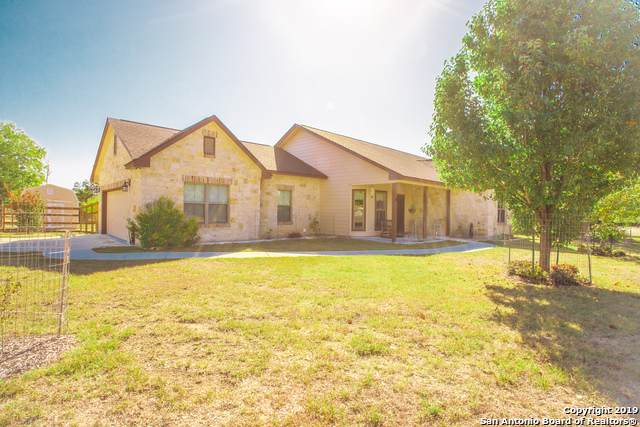 222 Fire Wheel Dr, Bandera, TX 78003 (#1419733) :: The Perry Henderson Group at Berkshire Hathaway Texas Realty