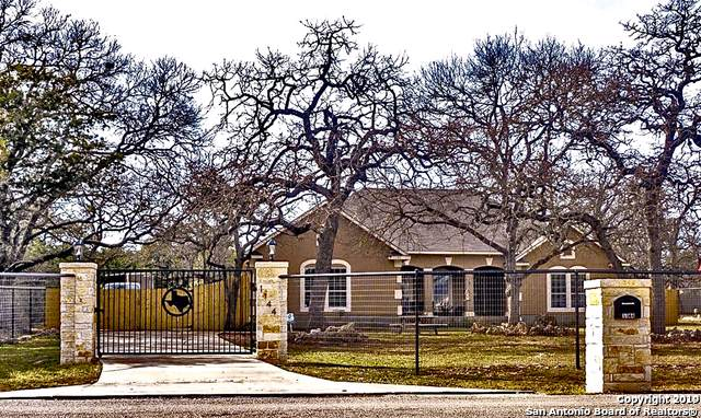 1144 Cypress Pass Rd, Spring Branch, TX 78070 (MLS #1419745) :: Glover Homes & Land Group