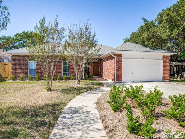 14631 Green Oaks Woods, San Antonio, TX 78249 (#1419829) :: The Perry Henderson Group at Berkshire Hathaway Texas Realty
