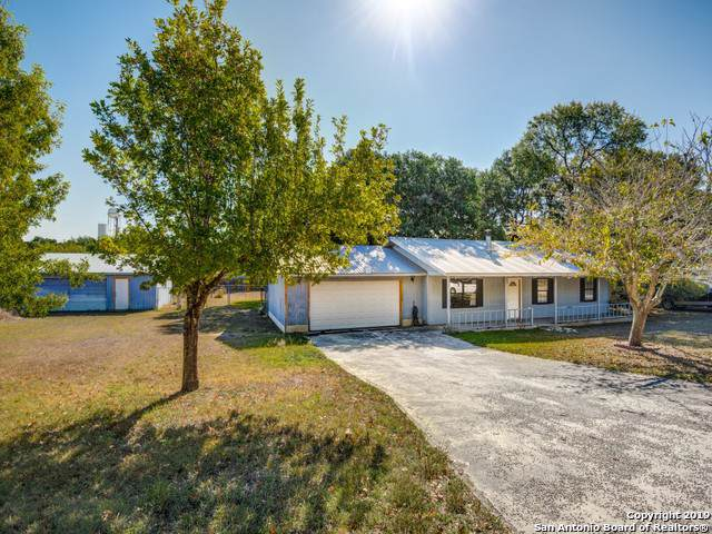 1406 Oakridge Dr, Blanco, TX 78606 (MLS #1419851) :: Glover Homes & Land Group
