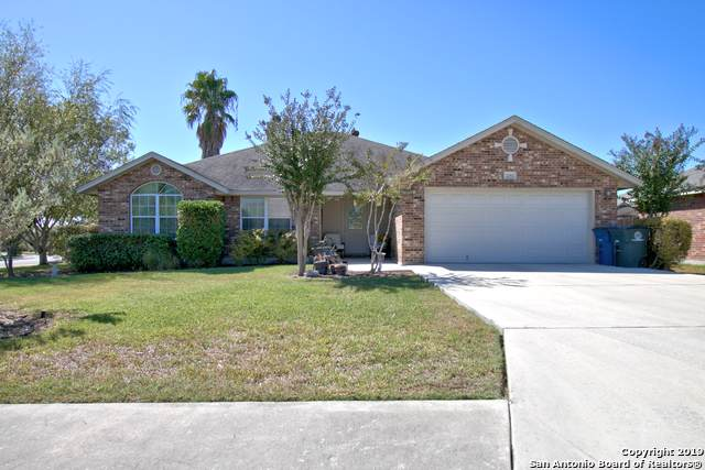 2252 Stonehaven, New Braunfels, TX 78130 (#1419861) :: The Perry Henderson Group at Berkshire Hathaway Texas Realty