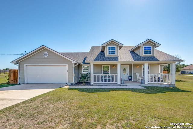138 Shannon Ridge Dr, Floresville, TX 78114 (MLS #1419869) :: Alexis Weigand Real Estate Group