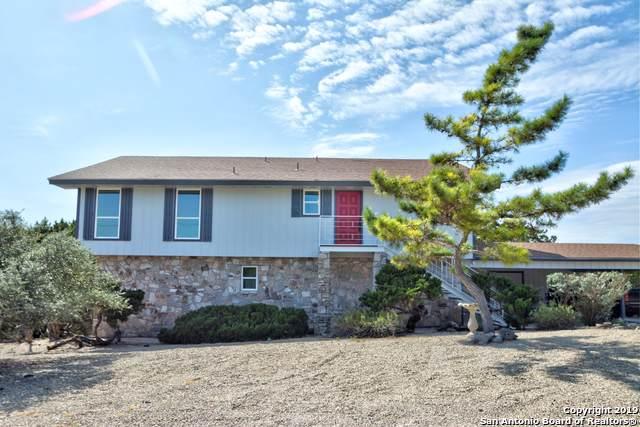 338 Rock Ridge Rd S, Kerrville, TX 78028 (MLS #1419905) :: Reyes Signature Properties