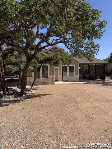 1338 Green Meadow Ln, Spring Branch, TX 78070 (MLS #1419917) :: Glover Homes & Land Group