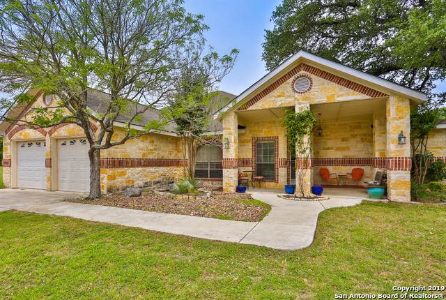 1049 Creek Run, Kerrville, TX 78028 (#1420026) :: The Perry Henderson Group at Berkshire Hathaway Texas Realty