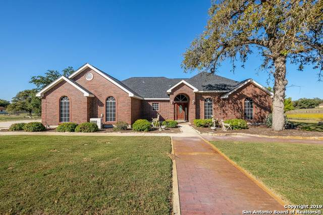 1309 Windmill Dr, La Vernia, TX 78121 (#1420093) :: The Perry Henderson Group at Berkshire Hathaway Texas Realty