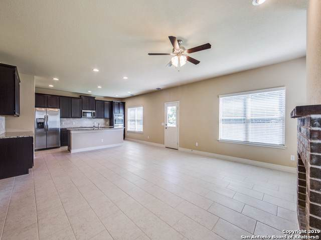 4902 Eagle Valley St, Schertz, TX 78108 (#1420176) :: The Perry Henderson Group at Berkshire Hathaway Texas Realty