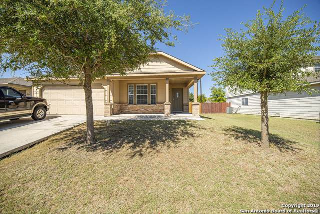 7815 Saratoga Knoll, Selma, TX 78154 (#1420178) :: The Perry Henderson Group at Berkshire Hathaway Texas Realty