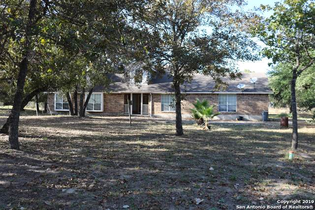 413 Cherry Ridge, Floresville, TX 78114 (#1420321) :: The Perry Henderson Group at Berkshire Hathaway Texas Realty