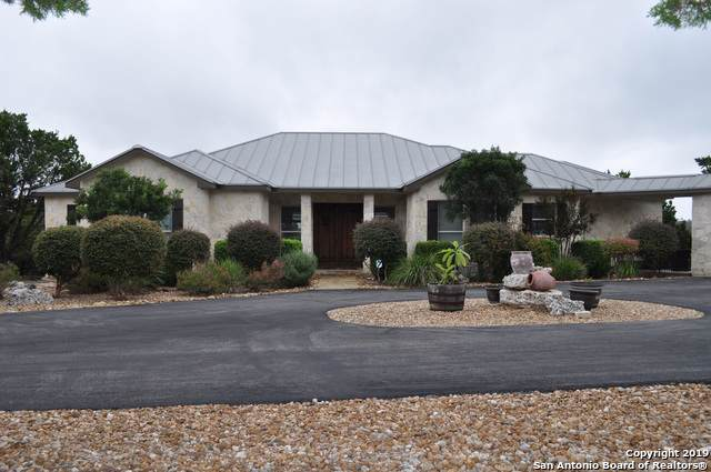 105 Mountain Top Dr, Boerne, TX 78006 (#1420373) :: The Perry Henderson Group at Berkshire Hathaway Texas Realty