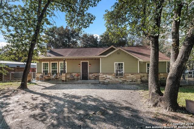 3918 Red Bay Woods, Elmendorf, TX 78112 (MLS #1420388) :: Alexis Weigand Real Estate Group