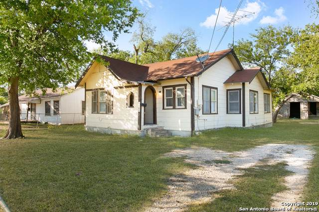 1203 Alametos, San Antonio, TX 78201 (MLS #1420435) :: The Gradiz Group