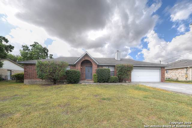1523 Camellia Ln, New Braunfels, TX 78130 (#1420486) :: The Perry Henderson Group at Berkshire Hathaway Texas Realty