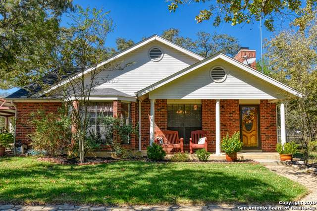 537 Cherry Ridge, Floresville, TX 78114 (#1420536) :: The Perry Henderson Group at Berkshire Hathaway Texas Realty