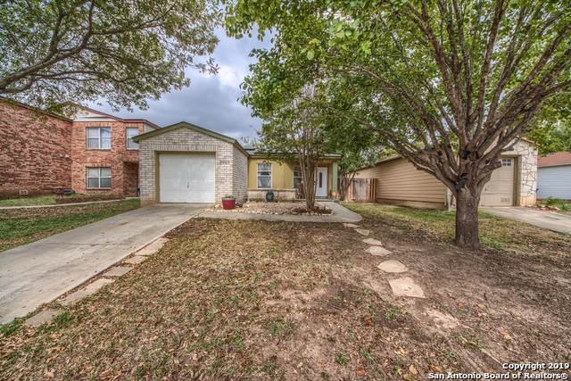 9253 Village Brown, San Antonio, TX 78250 (#1420963) :: The Perry Henderson Group at Berkshire Hathaway Texas Realty