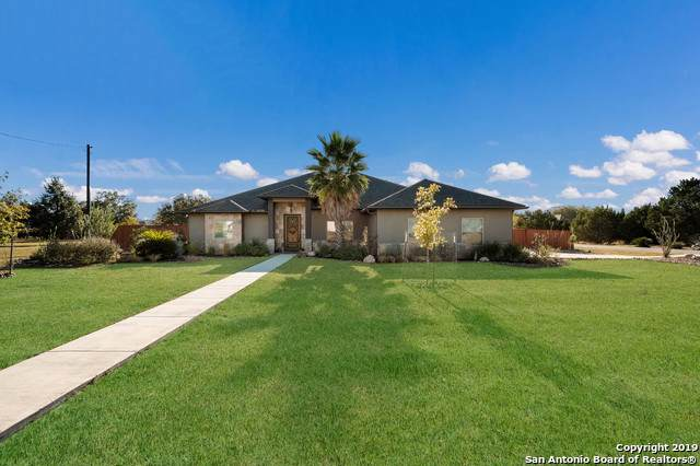 117 N Star, Bandera, TX 78003 (MLS #1421006) :: Tom White Group