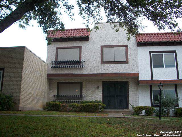 6719 Crown Ridge, San Antonio, TX 78239 (MLS #1421222) :: The Gradiz Group