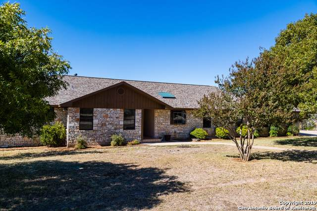 194 Avery Rd, Kerrville, TX 78028 (MLS #1421242) :: Glover Homes & Land Group