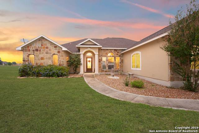 15815 Lake Breeze Dr, Lytle, TX 78052 (MLS #1421353) :: Alexis Weigand Real Estate Group