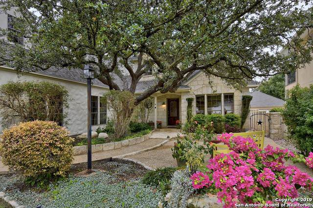 2823 Meadow Breeze, New Braunfels, TX 78132 (#1421410) :: The Perry Henderson Group at Berkshire Hathaway Texas Realty
