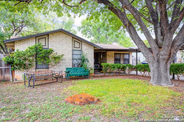 2015 Alston St, San Antonio, TX 78228 (#1421455) :: The Perry Henderson Group at Berkshire Hathaway Texas Realty