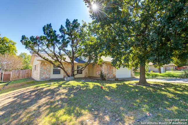 10322 Old Farm Rd, San Antonio, TX 78245 (#1421523) :: The Perry Henderson Group at Berkshire Hathaway Texas Realty