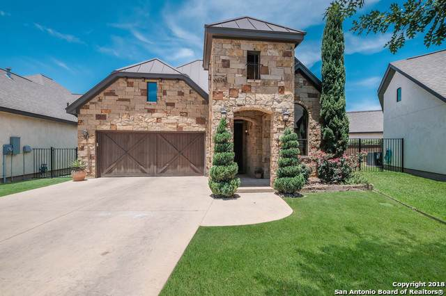 907 Gruene Spring, New Braunfels, TX 78130 (#1421558) :: The Perry Henderson Group at Berkshire Hathaway Texas Realty