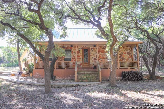 204 Spanish Pass Rd, Boerne, TX 78006 (MLS #1421609) :: NewHomePrograms.com LLC