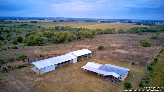 15875 New Berlin Rd, St Hedwig, TX 78152 (MLS #1421631) :: Niemeyer & Associates, REALTORS®