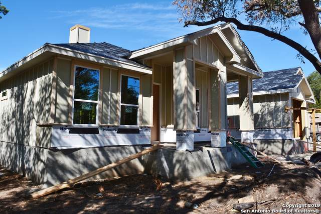 922 Marlys Ave, Canyon Lake, TX 78133 (#1421681) :: The Perry Henderson Group at Berkshire Hathaway Texas Realty
