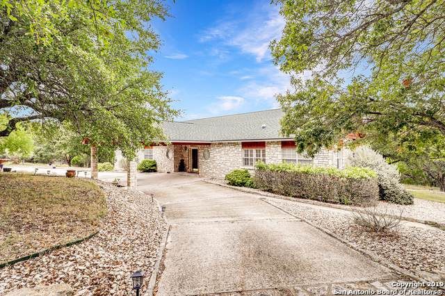 6777 Bear Creek Rd, Pipe Creek, TX 78063 (MLS #1421804) :: NewHomePrograms.com LLC