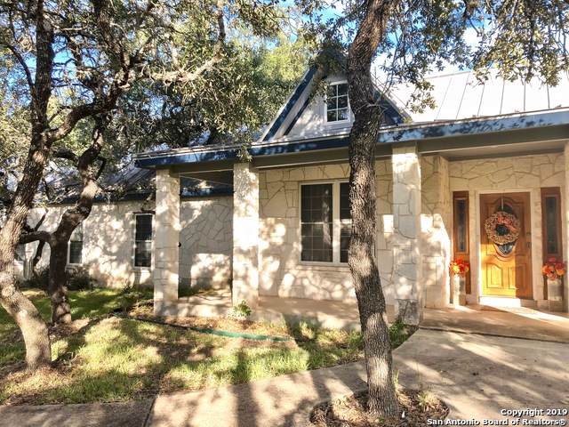 205 Country Meadow Dr, Boerne, TX 78006 (#1421842) :: The Perry Henderson Group at Berkshire Hathaway Texas Realty
