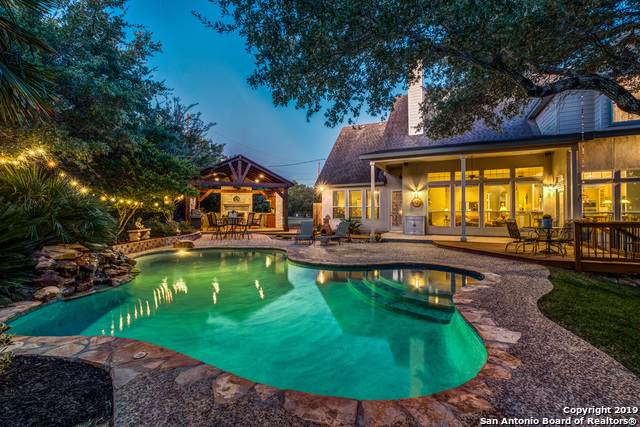 208 Scarlet Ridge Dr, Boerne, TX 78006 (#1421909) :: The Perry Henderson Group at Berkshire Hathaway Texas Realty
