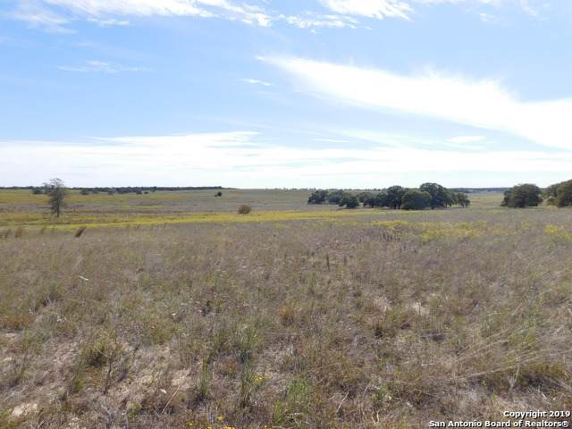 752 Lake Valley Dr, La Vernia, TX 78121 (MLS #1422005) :: Reyes Signature Properties
