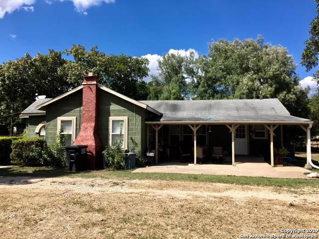 1207 Avenue H, Hondo, TX 78861 (MLS #1422036) :: Alexis Weigand Real Estate Group