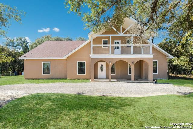 210 Shannon Ridge Dr, Floresville, TX 78114 (MLS #1422113) :: Alexis Weigand Real Estate Group