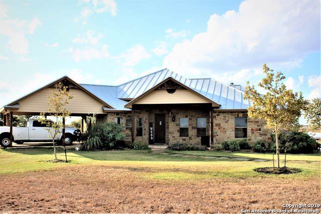 4641 Lucas Rd, Floresville, TX 78114 (#1422120) :: The Perry Henderson Group at Berkshire Hathaway Texas Realty