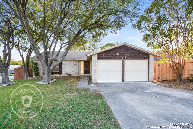 200 Crosswood Dr, Universal City, TX 78148 (MLS #1422193) :: The Gradiz Group
