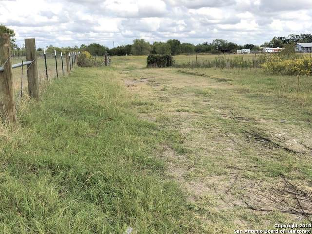 1032 Business Loop 181 N, Floresville, TX 78114 (MLS #1422394) :: Neal & Neal Team