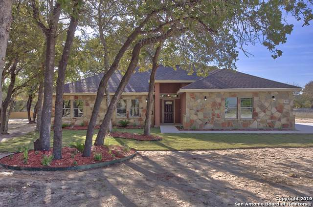172 Great Oaks Blvd, La Vernia, TX 78121 (MLS #1422533) :: The Mullen Group | RE/MAX Access